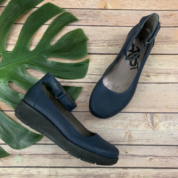 OTBT Shoes   Navy Blue Leather Ankle